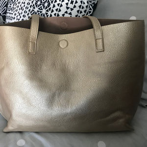 GH Bass Gold Tote w/matching cosmetic case
